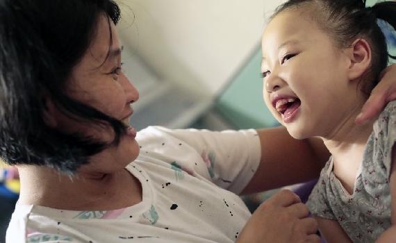 《暖心直擊-魔力笑容女孩》小花・六歲・AADC