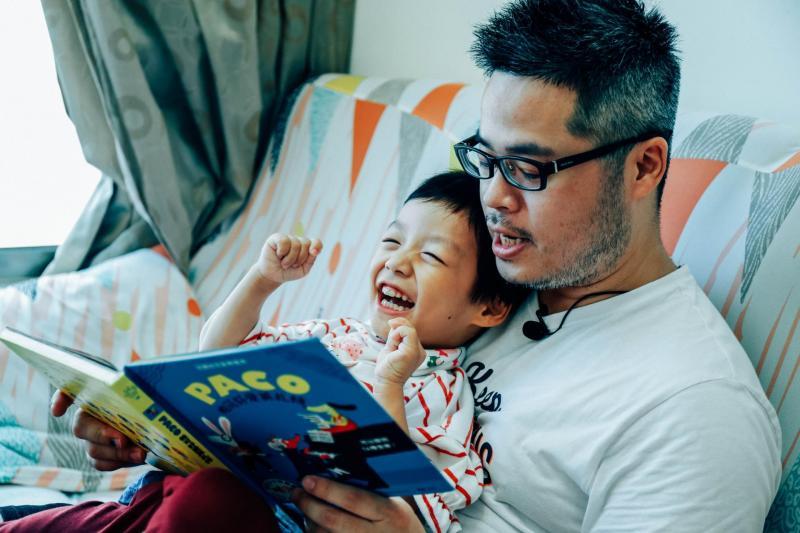 重症孩童透過閱讀認識世界